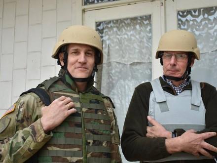 Американські військові з'явилися у зоні АТО (ФОТО)