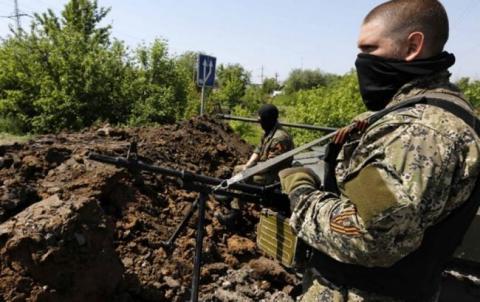 На Донбасі продовжуються військові дії