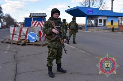 Поліція Донеччини на посиленому режимі: є загроза терористичних актів