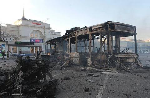 Росія принесла смерть: фотограф показав, як в Донецьку ставляться до окупантів (ФОТО)
