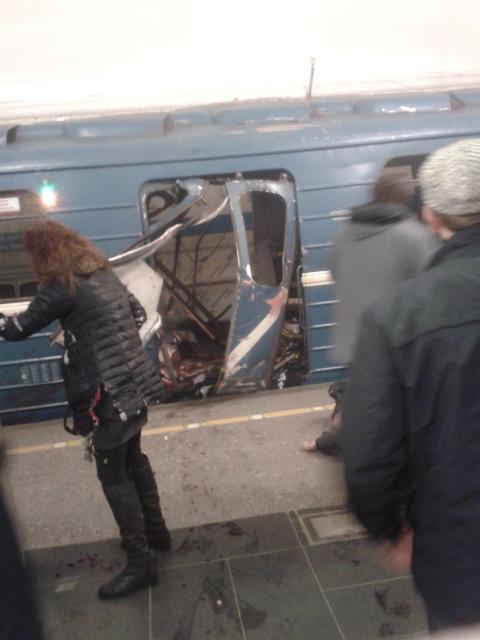 У метро Санкт-Петербурга прогримів потужний вибух, є жертви (ФОТО, ВІДЕО)