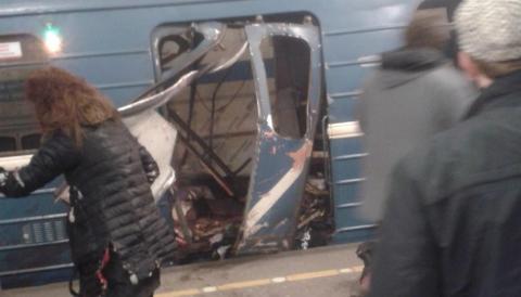 Вибух в Пітерському метро: 50 постраждалих, 10 загинули (ВІДЕО)