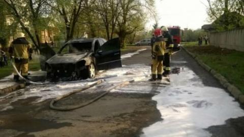 На Закарпатті невідомі спалили авто полковника поліції