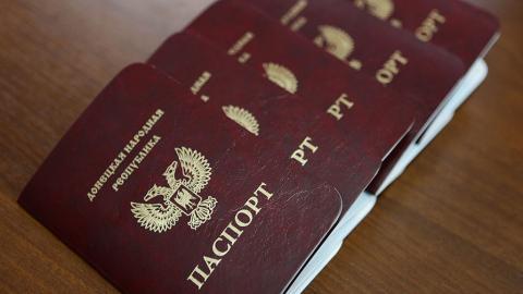 Жителі окупованого Донбасу відмовляються від несправжніх паспортів