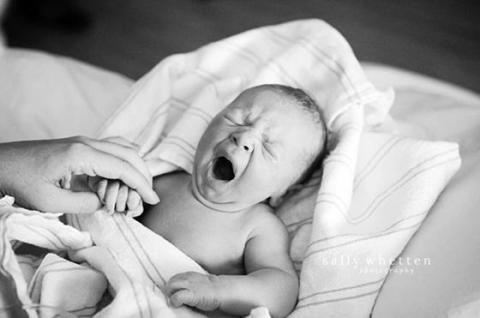 Фото новонароджених, які підкорили всю соціальну мережу (ФОТО)