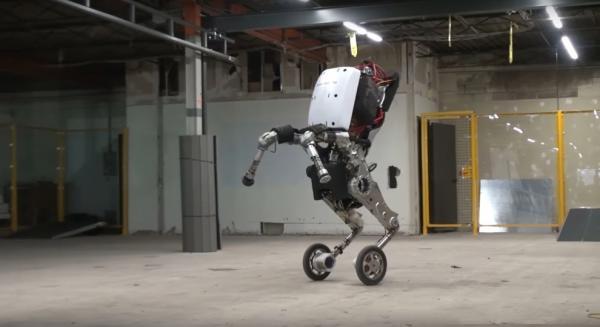 В світі майбутнього: як виглядає новий американський робот (ФОТО)