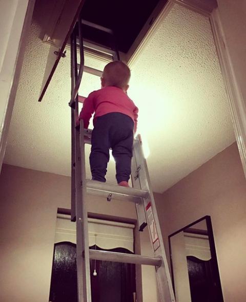 Соцмережу здивувало фото маленької дівчинки (ФОТО)