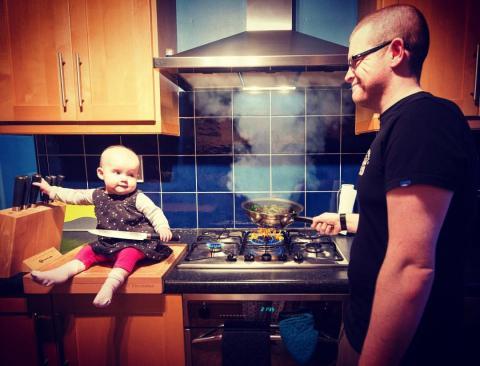Ірландець із дочкою придумали оригінальну рекламу донорства  (ФОТО)