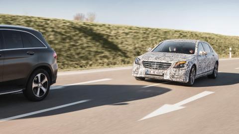 Автопілот та сучасний інтер'єр: як виглядає оновлений Mercedes S-Class (ФОТО)