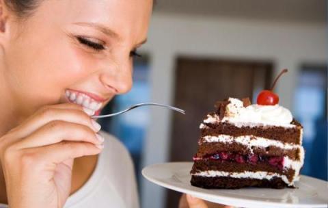 Дієтологи відкрили, як їсти солодке і не повніти