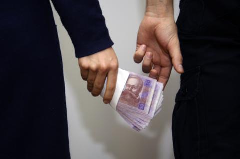 У Запоріжжі затримали посадовців-корупціонерів