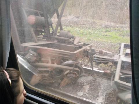 Між станціями Карань і Волноваха потяг зійшов з колії (ФОТО)