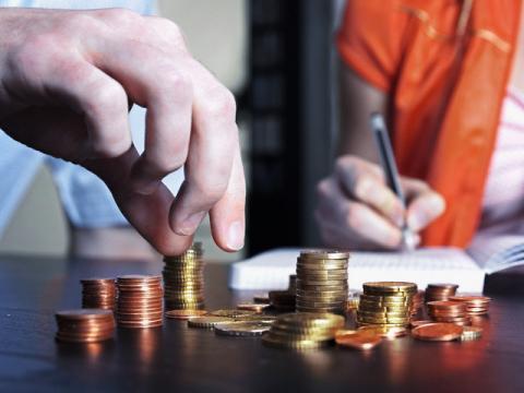Як вкласти гроші з вигодою? Поради експертів.