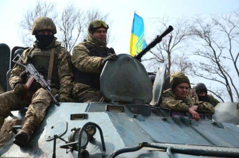 Українські військові отримали статус учасника бойових дій на сході України