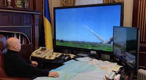 """""""Не виходячи з кабінету"""": Турчинов показав запис випробувань нових ракет (ВІДЕО)"""