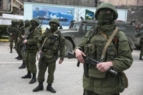 """У Генштабі розповіли, як планували вигнати """"зелених чоловічків"""" з Криму"""
