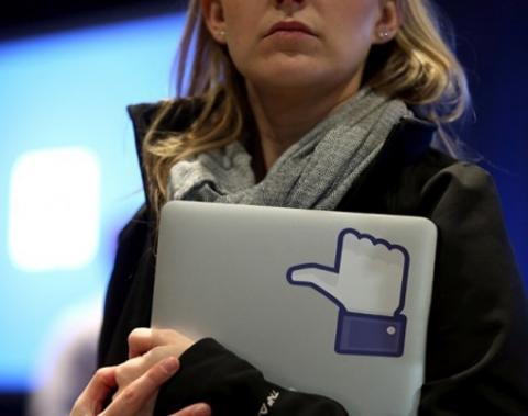 Активно «лайкати» на Facebook шкідливо для здоров'я