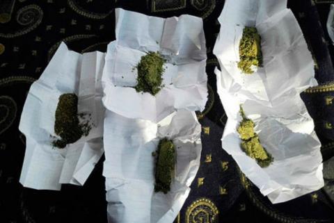 В Одесі затримали водія маршрутки, який курив марихуану (ФОТО+ВІДЕО)