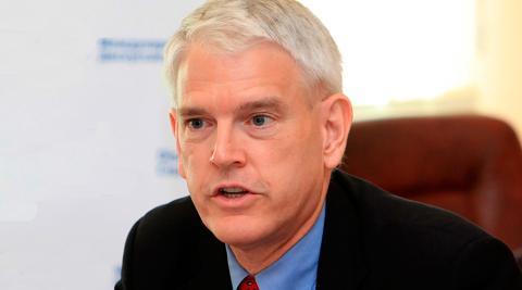 Екс-посол США розповів, як зупинити війну на Донбасі