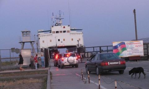 Окупований Крим отримує продукти харчування по морю, - журналісти