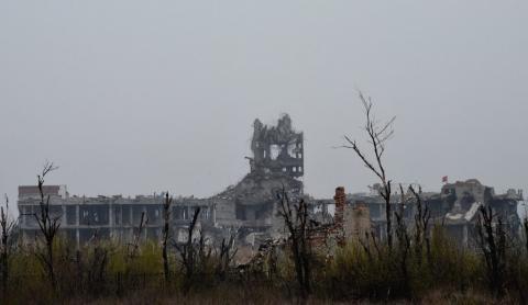 Справжнє пекло: як сьогодні виглядає Донецький аеропорт (ФОТО)