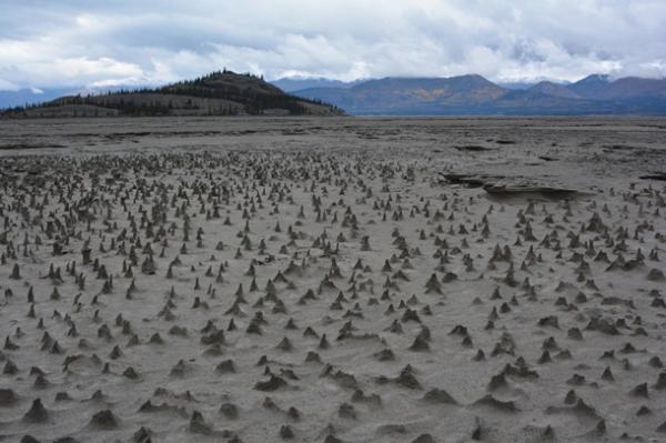 Велика річка зникла у Канаді: вражаючі кадри (ФОТО)