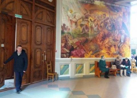 Картина «Путін в пеклі» стала окрасою церкви в Червонограді (ФОТО)