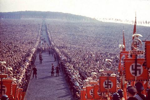 Світлини Третього Рейху, зроблені особистим фотографом Гітлера (ФОТО)
