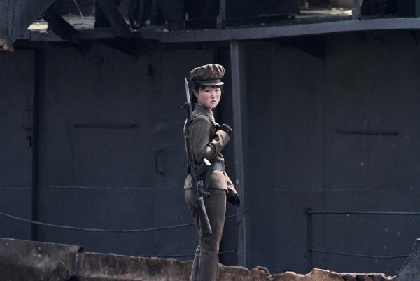 Ніхто не втече: як виглядає кордон Північної Кореї (ФОТО)