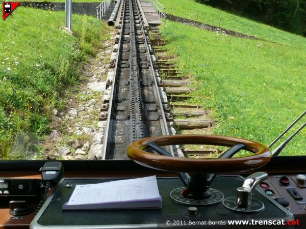 Пілатусбан: найгарніша залізниця в світі (ФОТО)