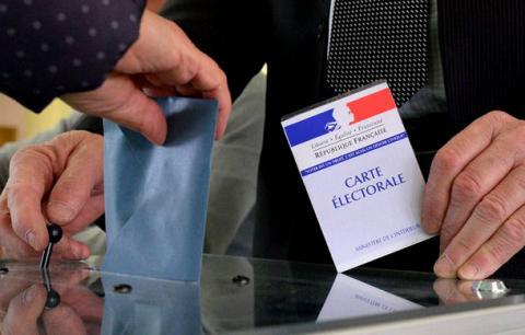 Огляд ЗМІ: якими будуть наслідки першого туру виборів у Франції