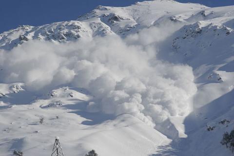 У Румунії сніжна лавина забрала життя дітей