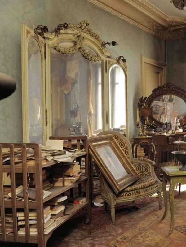 У Парижі знайшли квартиру, незайману більше 70 років (ФОТО)