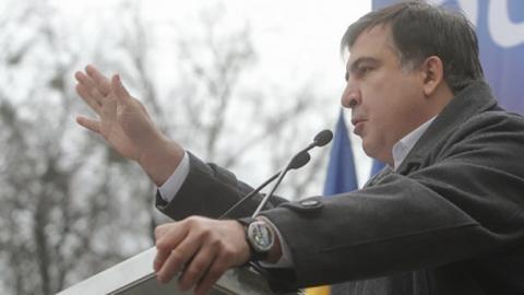 Саакашвілі пояснив, чому Порошенко не хоче закінчення війни