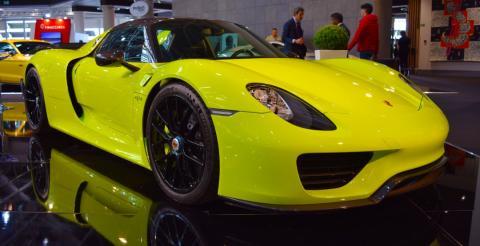 $3,5 млн за автівку: на аукціон виставили унікальну модель Porsche 918 (ФОТО)