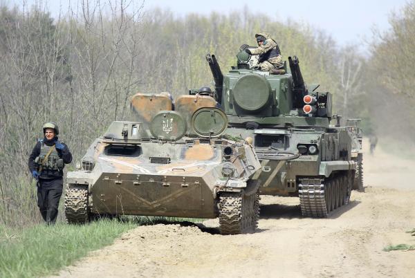 Ворог не пройде: з'явилися кадри масштабних навчань українських бійців (ФОТО)