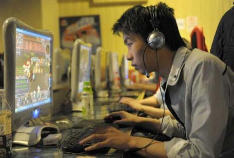 Китайських геймерів зобов'язали реєструватися в онлайн-іграх за паспортом