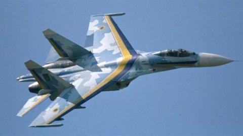 Українська авіація провела тренування військових (ВІДЕО)