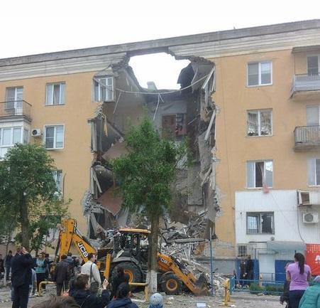 У Росії в житловому будинку пролунав потужний вибух: є жертви (ФОТО)