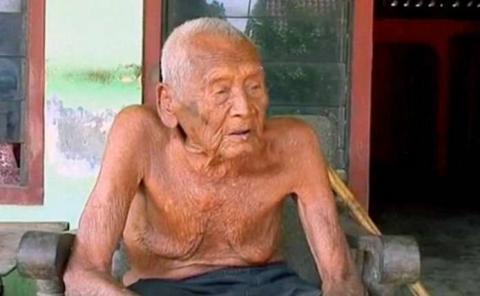 В Індонезії померла найстаріша людина у світі (ФОТО)