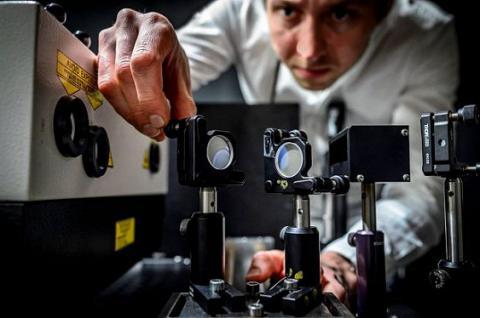 5 трильйонів кадрів в секунду: найшвидша в світі камера (ВІДЕО)