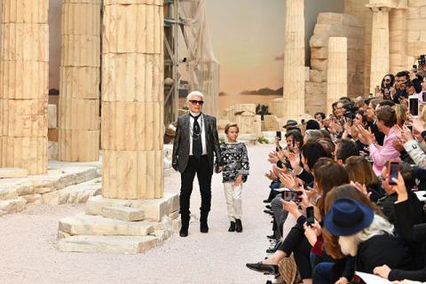 """Показ нової колекції """"Сучасне в античному"""" відбувся серед руїн (ФОТО)"""