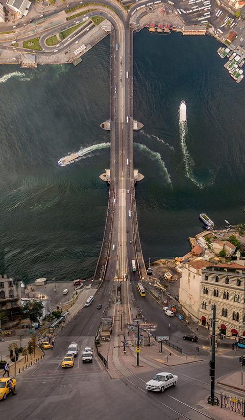 Оригамі 80-го рівня: турецький фотограф згинає міста (ФОТО)