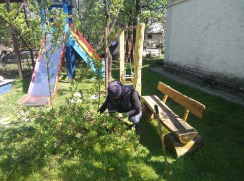 В Києві діти грались над схованими боєприпасами (ФОТО)
