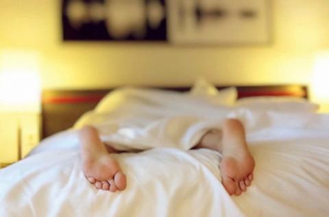 Вчені пояснили, як легко схуднути уві сні