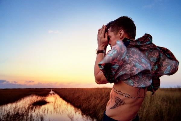 Життя чоловіка після розлучення: Бред Пітт кинув пити, схуд і повернувся на обкладинки глянцю (ФОТО)