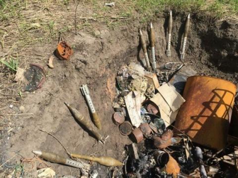 У зоні АТО виявили схованки з російською зброєю