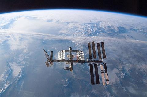 NASA скоротить фінансування МКС заради польоту людини на Марс