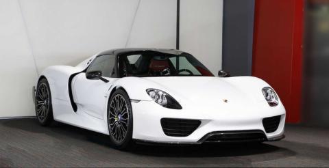 Porsche виставив на продаж ексклюзивний суперкар 918 Spyder (ФОТО)