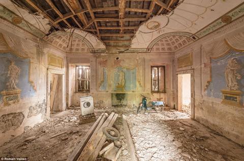 Тут зупиняється час: краса руїн в об'єктиві французького фотографа Ромена Вейона (ФОТО)